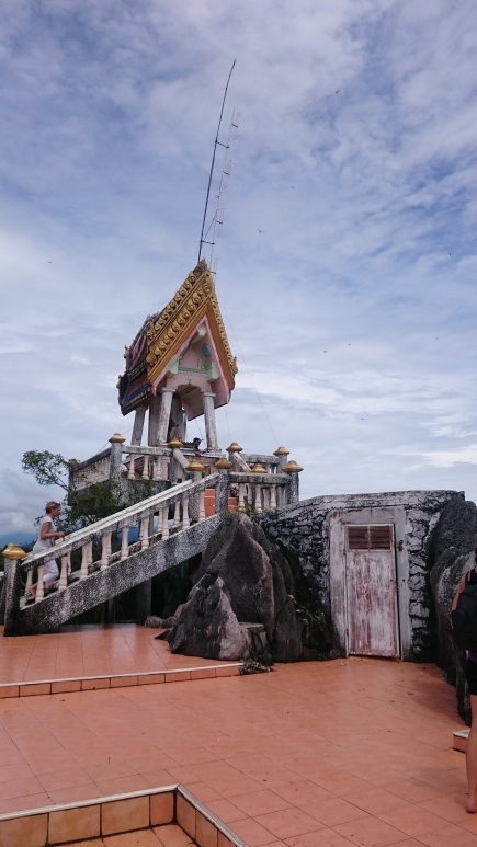 sommet temple tigre krabi thailande